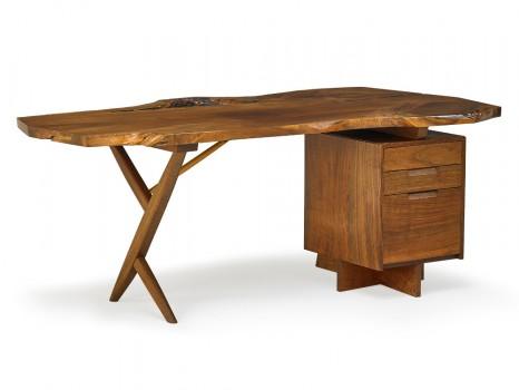 Large free edge X-legged desk