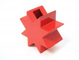 Red HSING vase
