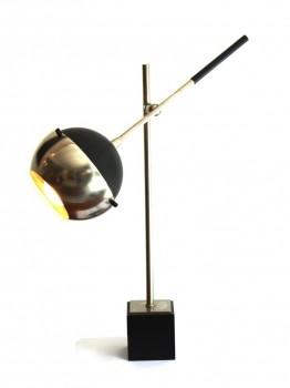 Height adjustable table lamp