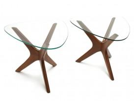 Tri-symmetric end tables